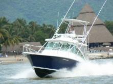 Luhrs yacht